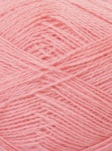 Uldgarn i lys rosa farve...